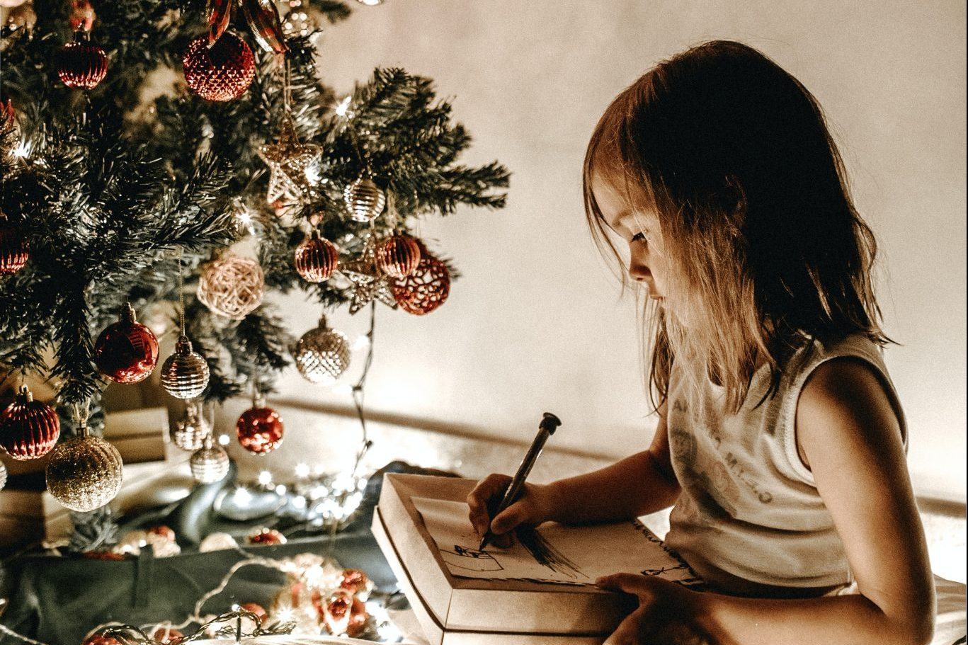 The Best Ever Christmas scavenger hunt ideas for kids